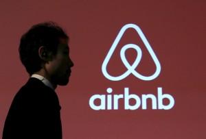 Airbnb驚傳偷拍?! 房東還互相分享房客性愛片