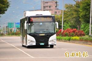 老柴油車掰掰!太魯閣客運全新電動車上路