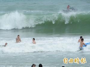 白沙灣風浪大不得下海 中客竟嗆:我要游回中國