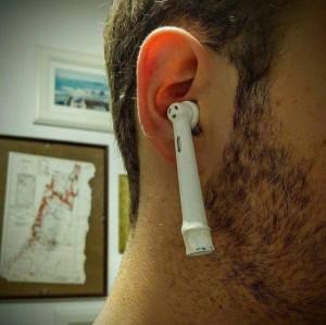 他炫iPhone 7無線耳機 真相卻讓網友笑翻