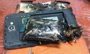 印度班機降落時 三星Note 2電池起火