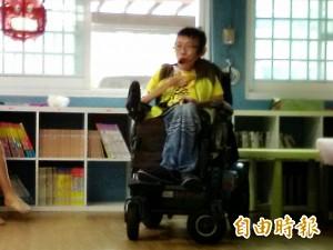 「我比誰都幸運」 脊萎患者巡迴30校分享人生