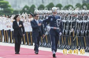 上任初體驗 小英總統首度以軍禮接待外賓