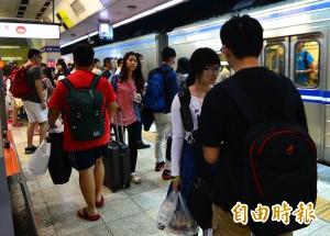 電車線掉落 台鐵新豐=湖口段列車延誤