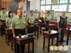 迎接大成高中創校70年 徐耀昌穿校服上課