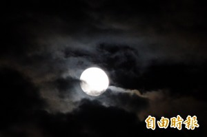 本月14日將有「超級滿月」 錯過得等到2034年