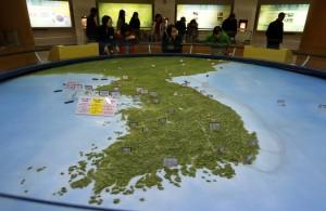 一個半島兩個世界 南韓人平均多活北韓人11歲