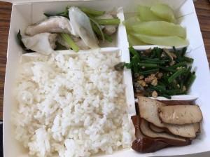 這款80元便當讓里長「藍瘦香菇」 網友:主菜是飯?