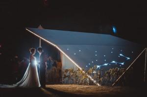 這個候車亭 成為拍婚紗熱門景點