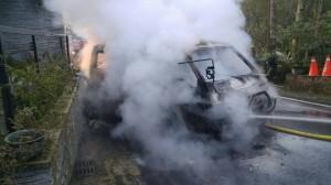 南投採茶車行進中起火燃燒  1死4傷