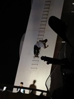 新臨安橋竟成屁孩登高塗鴨處 1少年被送辦