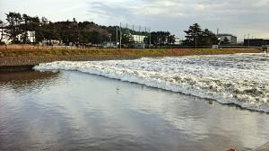日本7.4強震後 宮城縣驚見「逆流川」