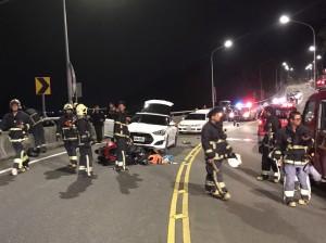 新店汽、機車擦撞3傷 1機車騎士失去生命徵象