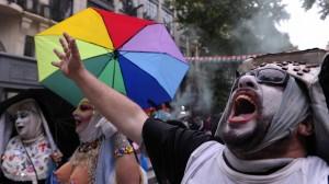 同性戀成因是被鬼附身?靈媒建議唸這個咒語驅魔