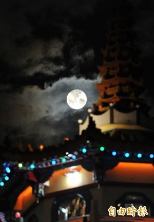 今年第3個「超級月亮」 今晚短暫現身