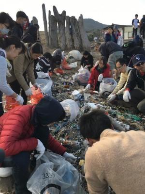 塑膠袋擴大限用前 環團:海灘已成天然掩埋場