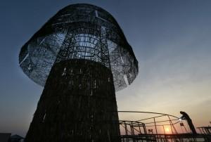 斯里蘭卡57公尺高耶誕樹 挑戰世界紀錄