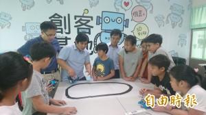 南大與勝利國小合作成立創客教室
