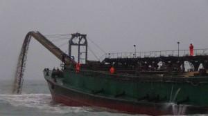 金門再查獲中國抽砂船越界盜採  今聲押7人