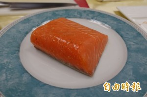 研究:阿拉斯加野生鮭魚驚現「日本海裂頭絛蟲」