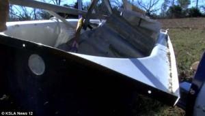 躲浴缸被龍捲風捲到空中   婦「乘」缸安全降落