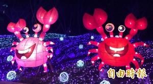 100萬顆LED燈泡齊亮 全國最大環湖主燈秀