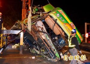 遊覽車翻覆事故 保險理賠估逾3億元