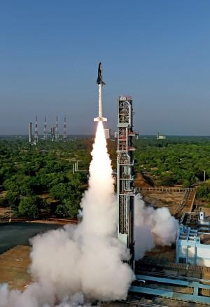一次發射104顆衛星 印度火箭明天將創紀錄