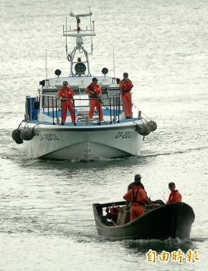 中國漁船非法越界 我海巡雙艇開槍逮捕