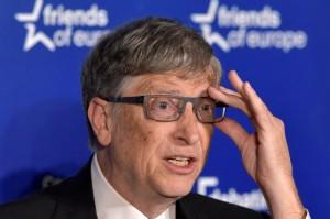 比爾蓋茲:應向取代人類工作的機器人課稅