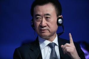 中國嚴控資金外流 首富王健林併購DCP破局