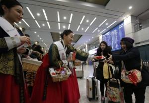 中禁韓令嚇趴韓股  旅遊美妝龍頭股重挫10%