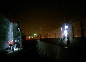 鐵路高架化噪音超標 夜間施工加高隔音牆又被罵
