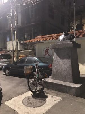 又有蔣銅像遭「斬首」 背後疑有行動者「全台串聯」
