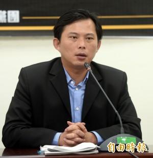 「召委宣布休息就跑了」 黃國昌再對國民黨開砲