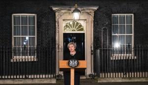 英國會遭恐攻 梅伊怒開神秘「眼鏡蛇會議」