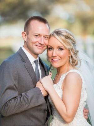 金髮美女遭刺32刀瀕死 5年後嫁給救命恩人
