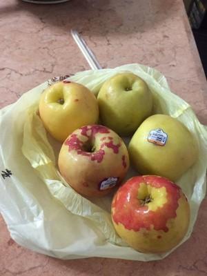 團購蘋果一冰後竟全褪色 超扯「素顏」嚇壞買家