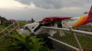 飛機撞護欄  蘭嶼鄉長:早抗議這機型不適合飛