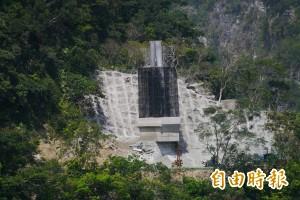 高空吊掛運材 太魯閣山月吊橋進度超前