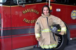 世紀之花!美健身辣妹成德州小城首位女消防員