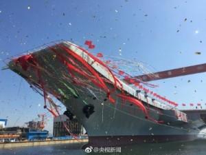 中國首艘自製航母下水 服役最快還需2年