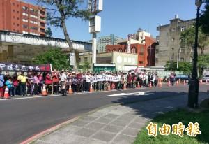 漏油整治後土地恐續做加油站 蘆竹上百里民抗議