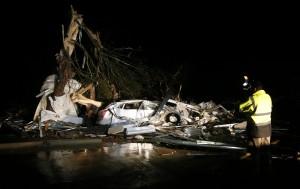 3波龍捲風夜襲美國德州小鎮  已釀5死數十傷