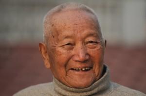85歲老翁再戰珠峰 壯志未酬在基地營過世