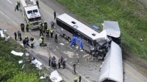 越南巴士遭逆向卡車猛撞 釀11死23傷