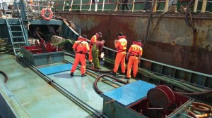 中國油船在台海非法加油 台中海巡隊押回開罰