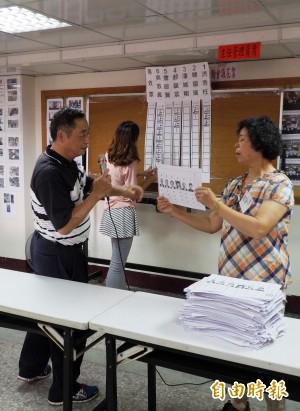 家鄉草屯投票率7成 吳敦義囊括77%選票