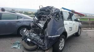 驚!警車處理西濱車禍 被撞到稀爛