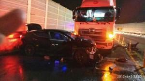 轎車開錯路逆向撞貨車 怒批導航直通死亡之路